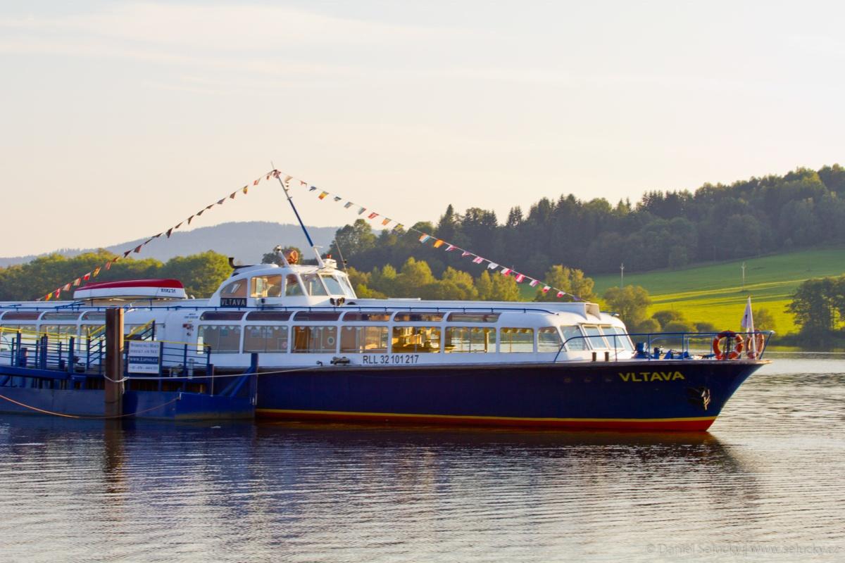 Plavba lodí na Lipně