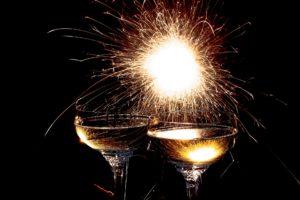 champagne-glasses-1940497_1920
